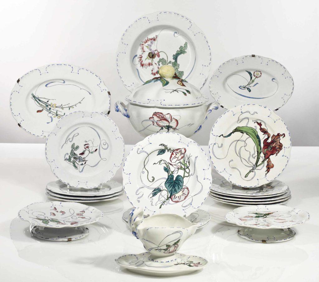 1879ca, service de table à fleurs et rubans pour Haviland & Cie, after the etchings of Félix Bracquemond, faïence, xx, A2012/11/21 (iR10;iR15;aR4-6;R85,no674-720)